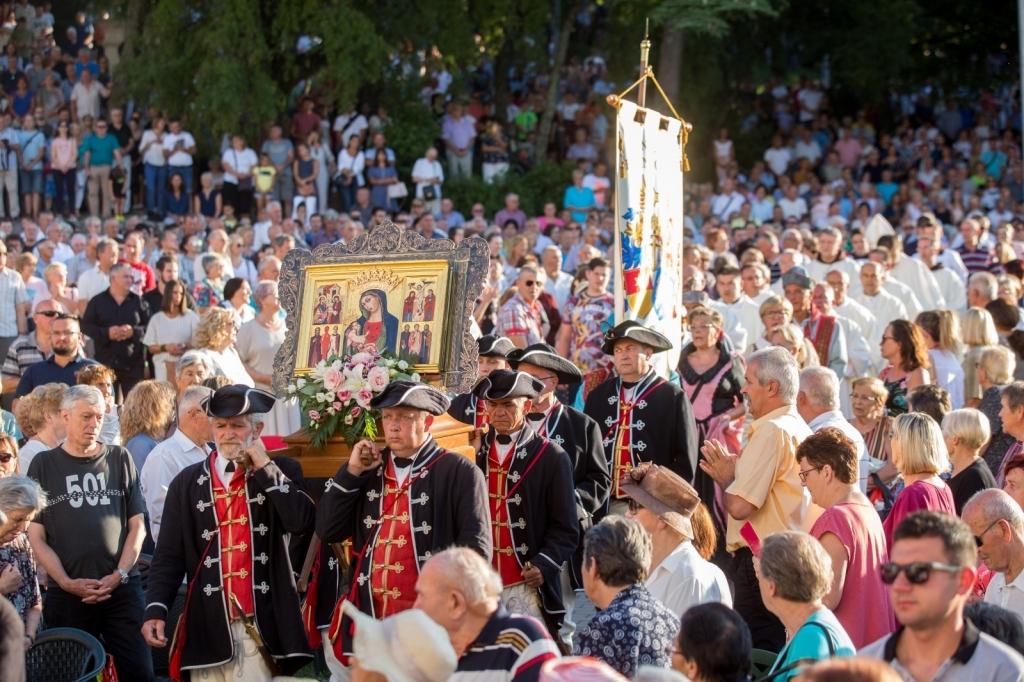 Deseci tisuća vjernika pohodili Svetište Majke Božje Trsatske